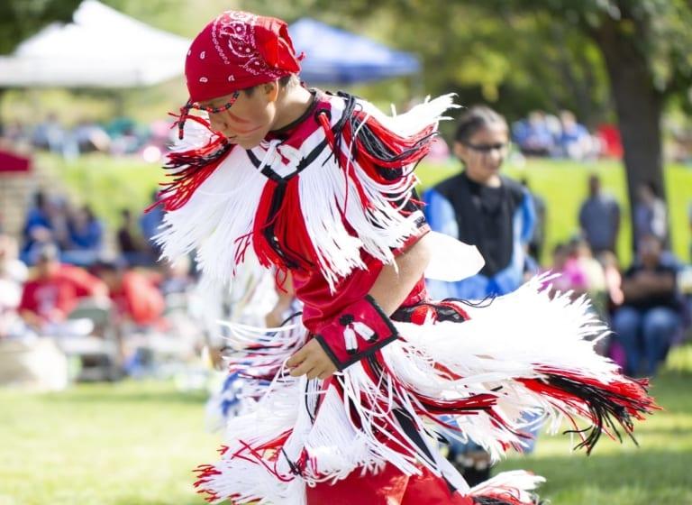 Découvrez les lauréats du Powwow 2019 de l'École indienne St Joseph du Dakota